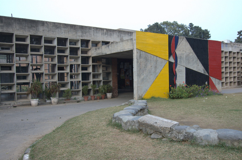 Ле Корбюзье / Le Corbusier. Колледж искусств (Government College of Arts(GCA) и Архитектурный колледж (Chandigarh College of Architecture(CCA), Чандигарх, Индия. 1950-1965