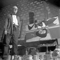 Ле Корбюзье в квартире-студии в доме Molitor. Париж. 1953. Фотограф: Willy Rizzo